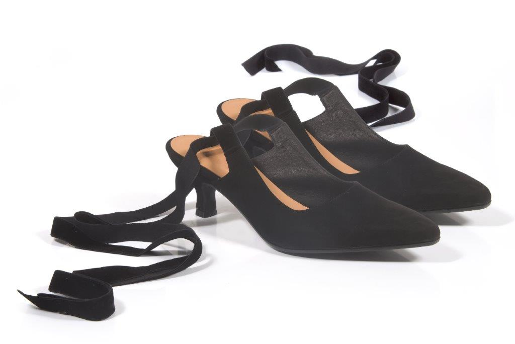 Sympathy black, נעלי סירה מזמש