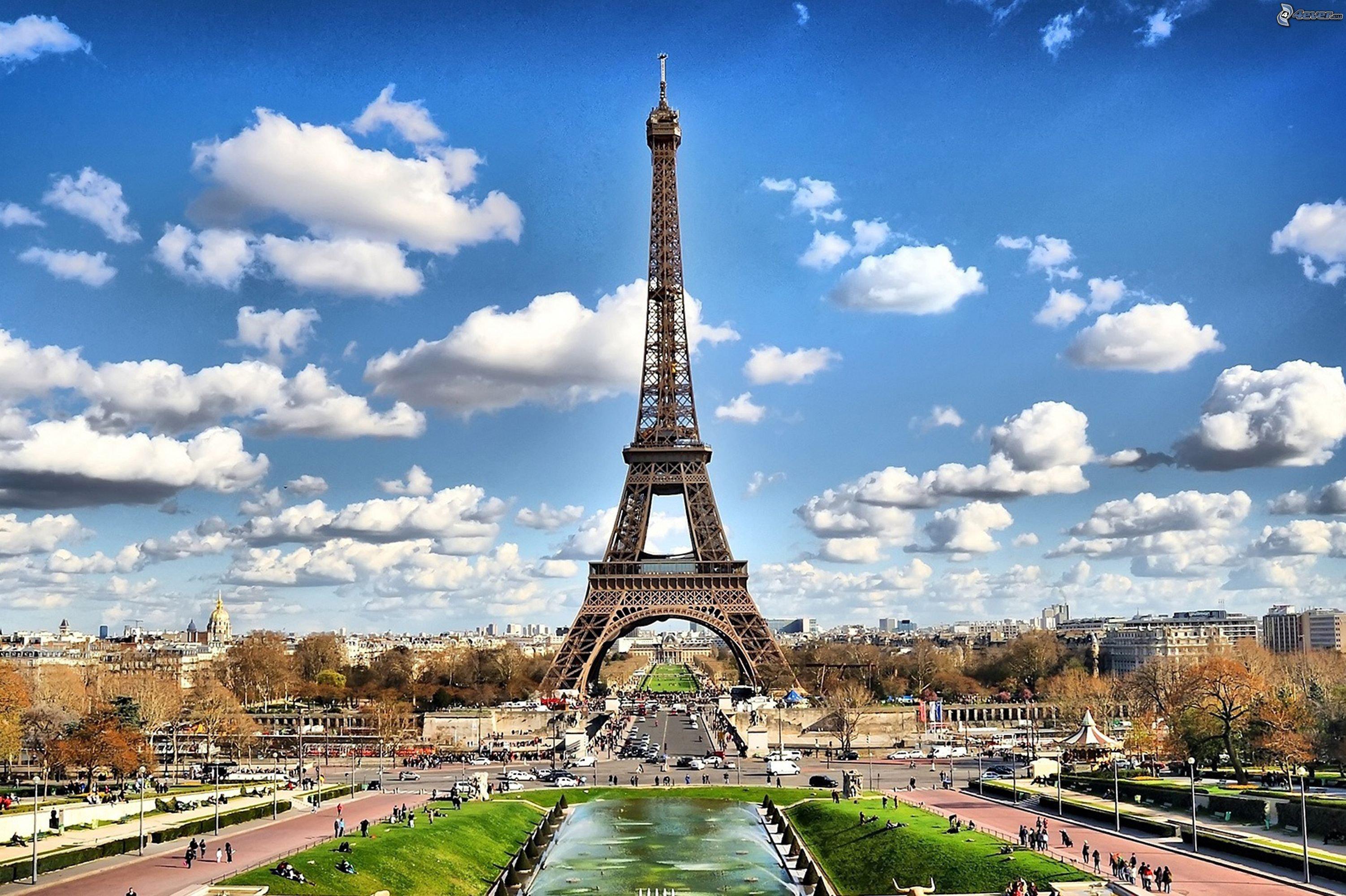 מגדל אייפל בפריז צילום pexels