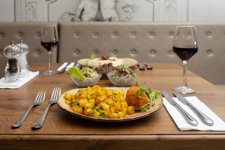 מסעדת שאלוט_ארוחת בסגנון רוסי- 59 שח צילום אבי ששון