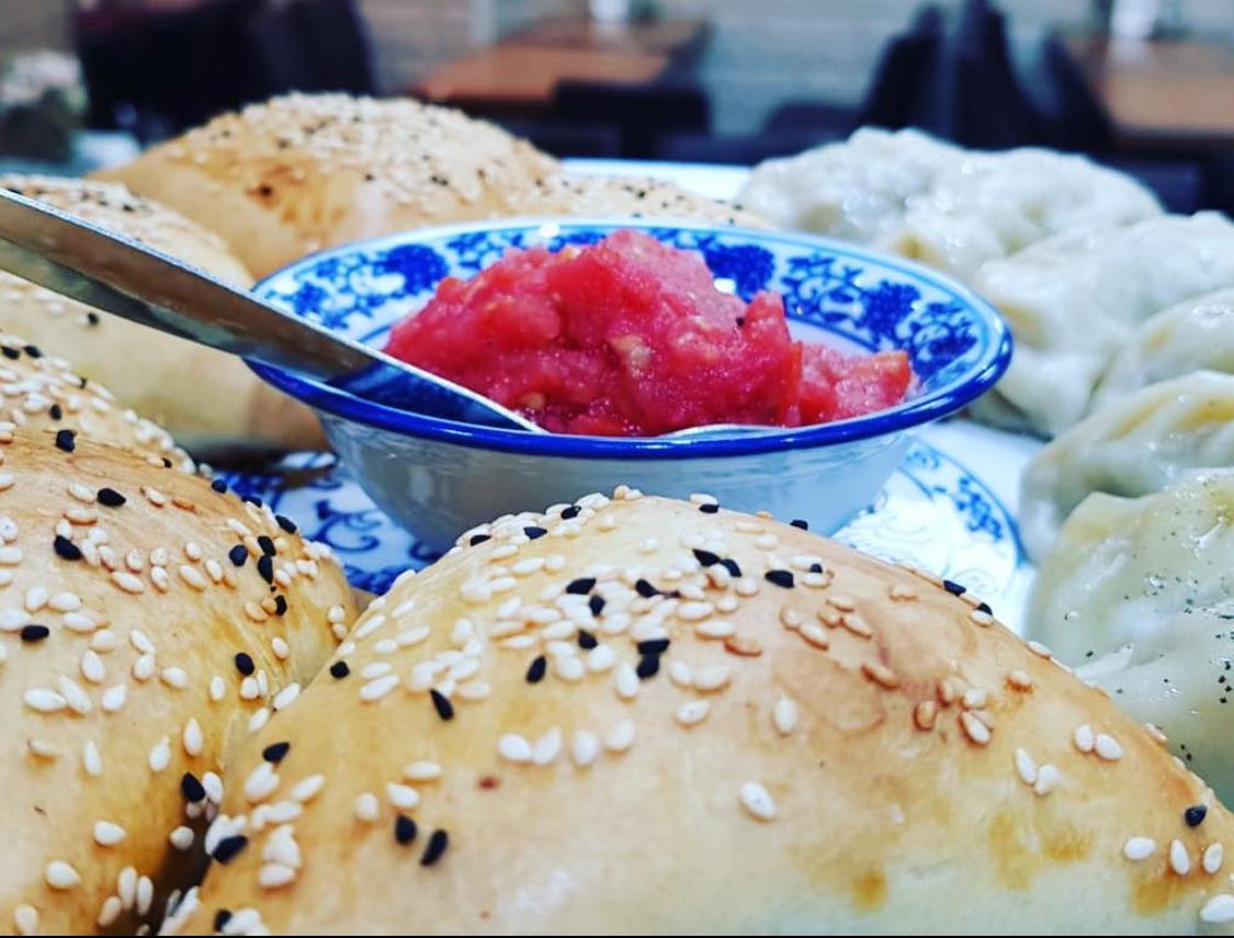 סמבוסה במסעדת ירושלים פלוס בלוד