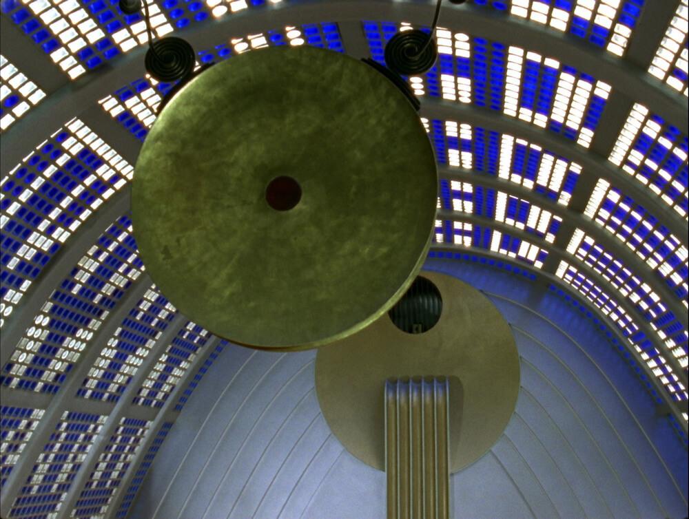 מתוך עבודת הווידאו של קרן רוסו, Haus Atlantis
