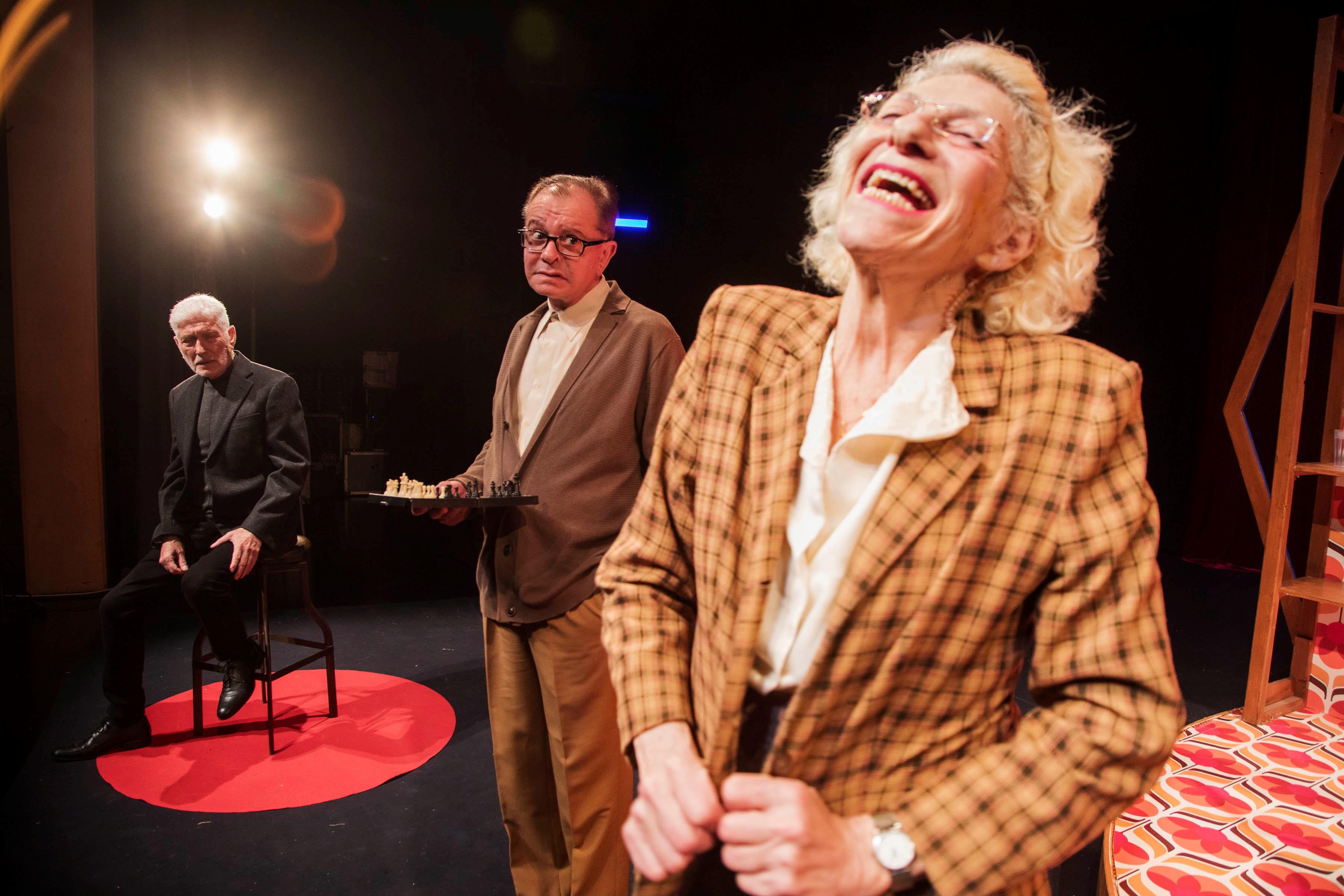 3מרים פוקס מתוך אמא יהודייה בעשרה שיעורים של תיאטרון היידישפיל צילום זראר אלון